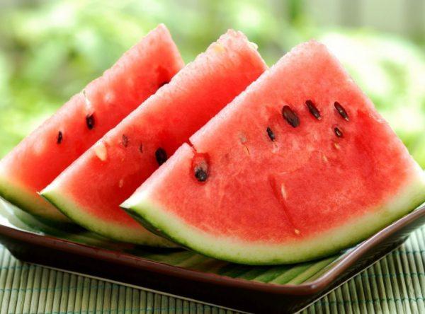 Выбирают плоды, способные сохранить внешний вид и вкусовые качества