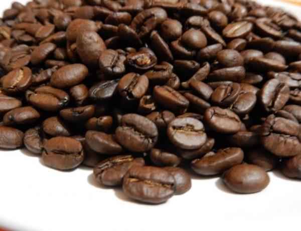 Плоды кофейного дерева рекомендуется хранить в плотной упаковке
