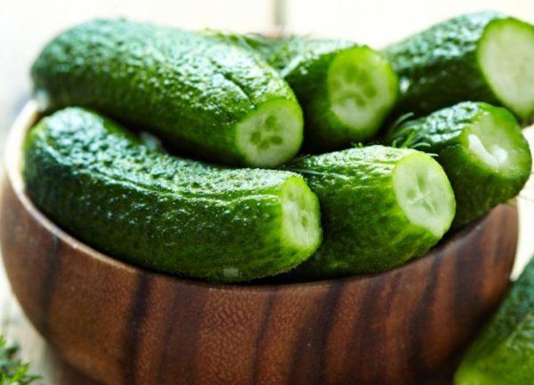 Берут овощи, только собранные с грядки
