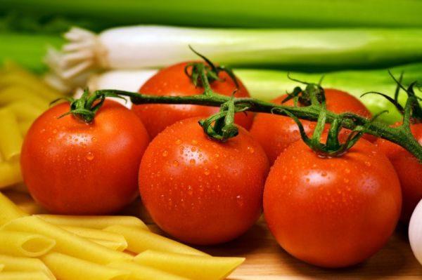 Успешное хранение томатов зимой зависит от сорта и условий содержания урожая