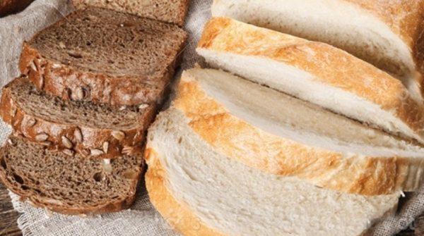 Нужно помнить, что белый и черный хлеб следует хранить отдельно.