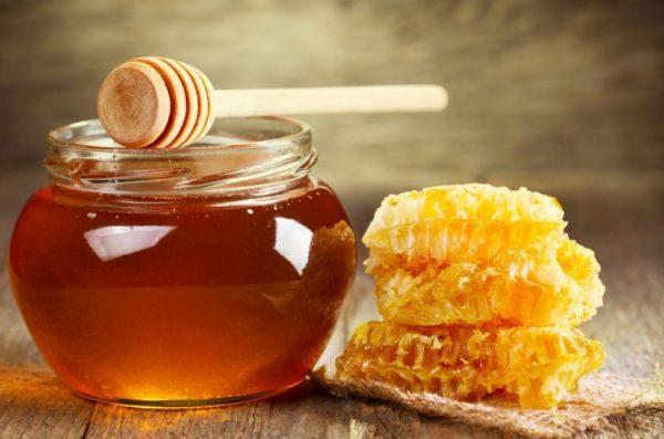 Домашние условия не способствуют сбережению меда при комнатной температуре