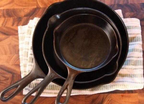 Посуда из чугуна долговечна, но и с ней нужно правильно обращаться