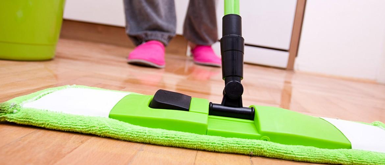 Как отмыть линолеум от въевшейся грязи? 39 фото Чем помыть, чтобы блестел, как убрать пятна в домашних условиях со светлого изделия