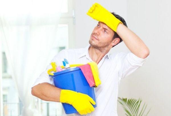 Чтобы победить вездесущую пыль, надо делать уборку сверху вниз