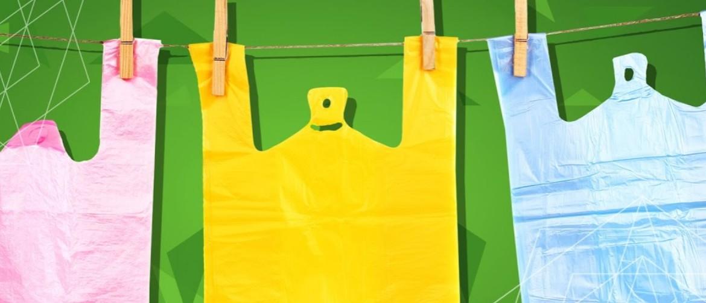 Как удобно хранить мусорные пакеты