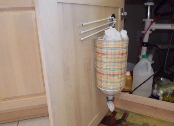 Хранение пакетов в пластиковой бутылке