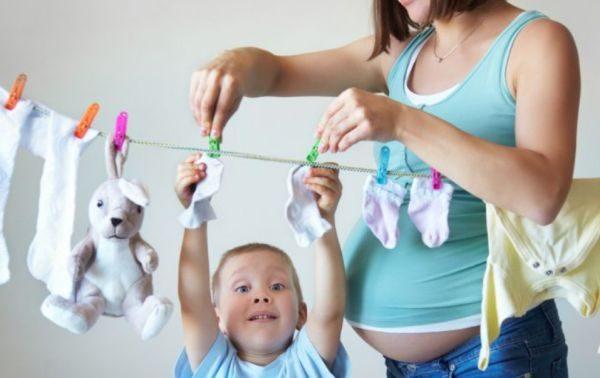 Использовать стиральный порошок без фосфатов рекомендуется всем людям, которые внимательно относятся к своему здоровью