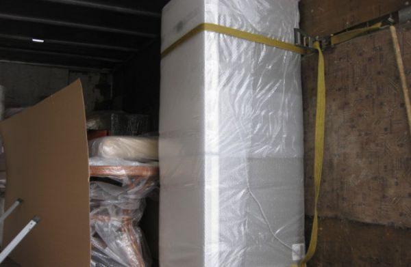 Если после переезда ваш холодильник вдруг начал сильно шуметь, стучать, плохо морозить и иногда не выключается или не запускается, то проблема появилась при транспортировке