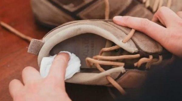 Как убрать запах с обуви, купленной в секонд-хенде