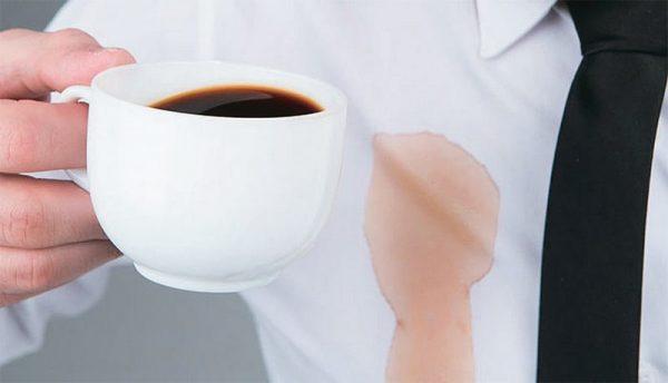 Первая помощь в борьбе со свежим пятном кофе