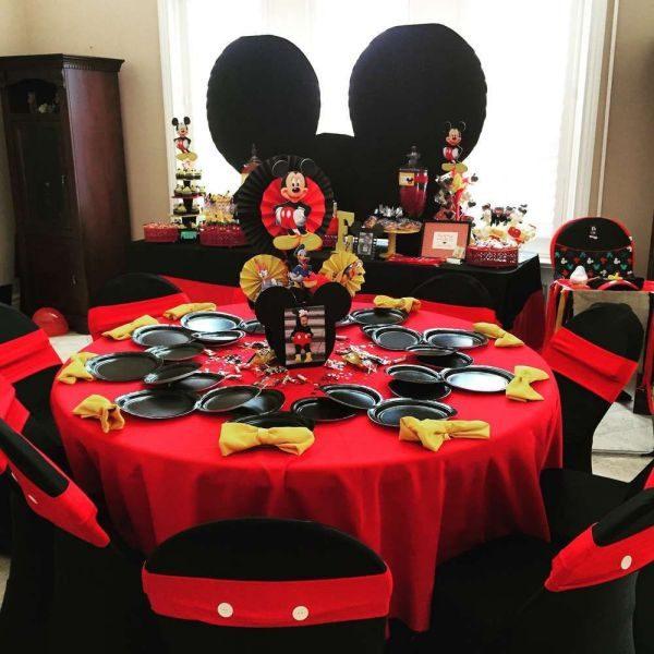 Как украсить стол на день рождения в домашних условиях: варианты сервировки