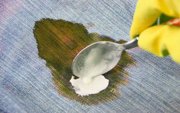Как отстирать йод: эффективные способы выведения пятен с тканей, что нельзя использовать
