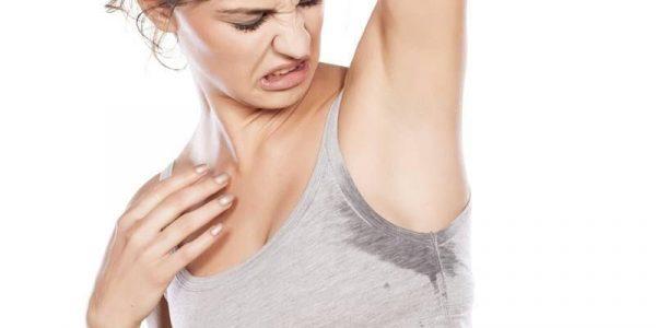 Как избавиться от запаха пота на одежде под мышками: эффективные методы удаления