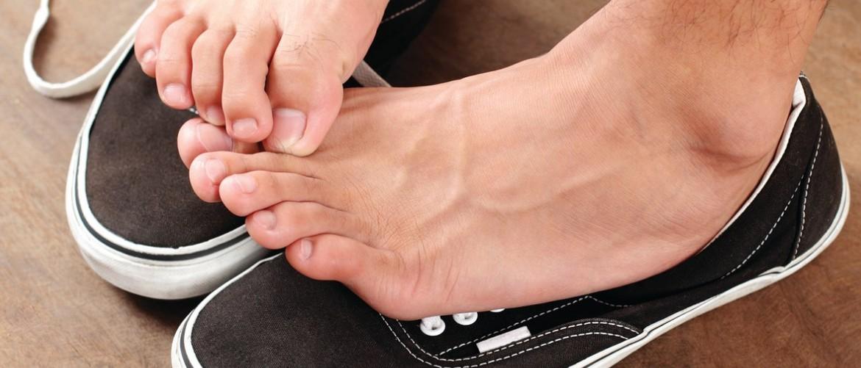 Как избавиться от неприятного запаха пота ног в обуви – простые решения
