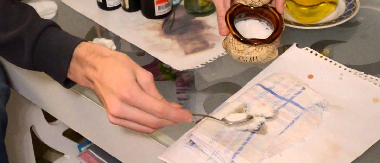 Как убрать жирное пятно с листа бумаги