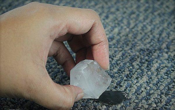 Убираем пластилин с ковра: лучшие способы
