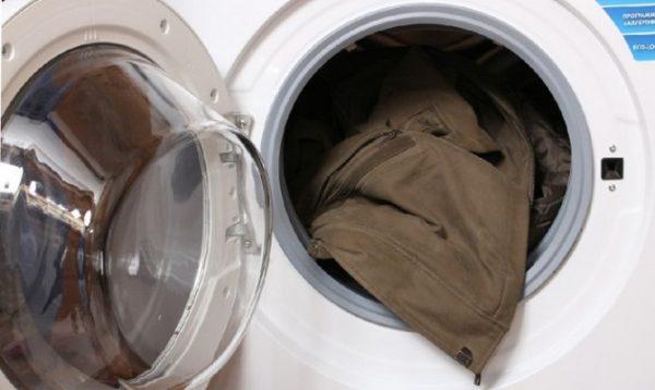 Как постирать пальто в домашних условиях: способы для разных типов материала, стирка в машинке автомат