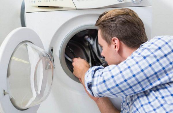 Стиральная машина шумит при отжиме: 6 причин, как исправить