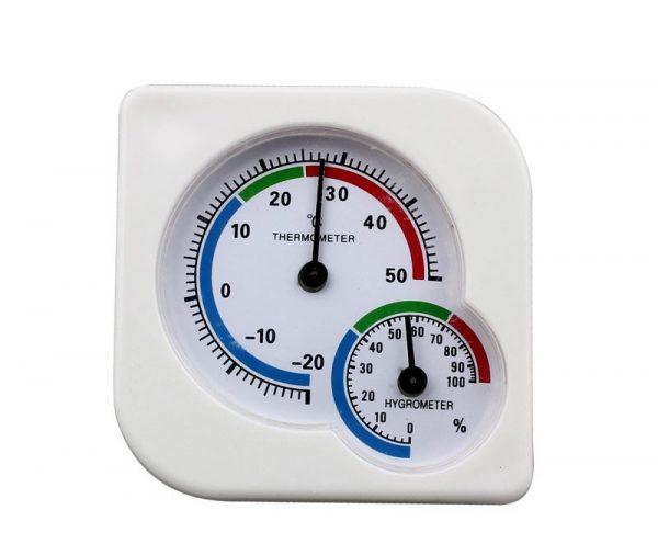 Стрелка гигрометра должна показывать влажность не более 40%