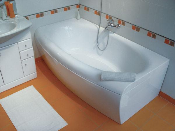 Что надо знать об акриловых ваннах перед их чисткой?